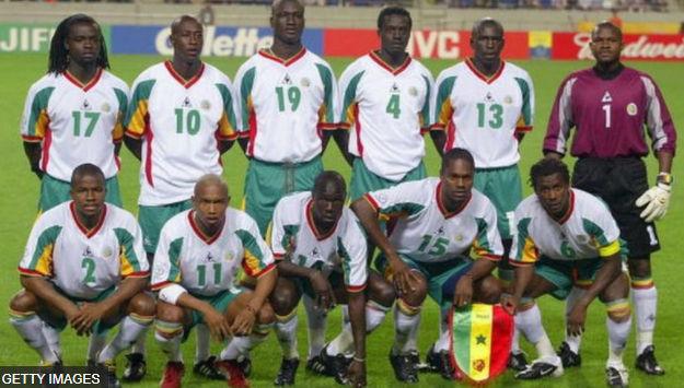La génération dorée des lions du Sénégal qui a battu la France en Match d'ouverture de la Coupe du Monde 2002. Feu Pape Diouf a marqué le premier but