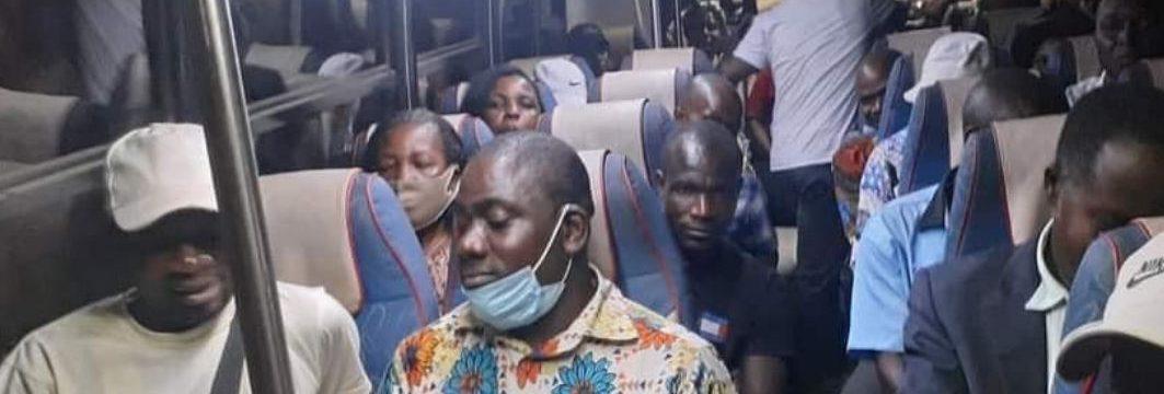 Plusieurs cars en provenance de  San-Pedro en route pour Abidjan