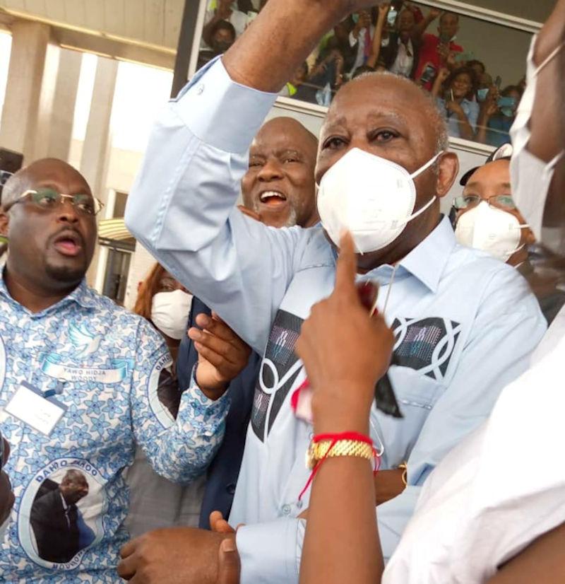 Les premières images du Président Gbagbo à son arrivée en Côte d'Ivoire